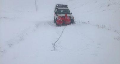 انقاذ شخص علق في الثلوج على طريق مشمش بريصا في الهرمل image