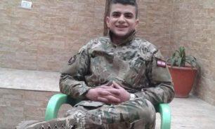 طلقتان ناريتان في قلبه اردته قتيلا.. جندي في الجيش تعرّض لهجوم في عرسال image