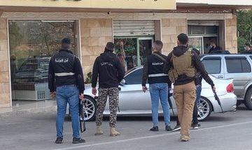 دوريات ونقاط توقف لأمن الدولة لمراقبة قرار الاقفال العام image