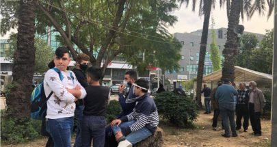 تجمع لمحتجين عند تقاطع ايليا في صيدا احتجاجا على الغلاء image