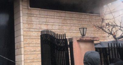 إخماد حريق في مستودع مهجور في دورس image