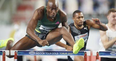 العداء هولواي يحقق رقما قياسيا في سباق 60 مترا حواجز image