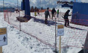 كيروز اطلع على اجراءات الوقاية من الفيروس في منحدرات التزلج في الارز image