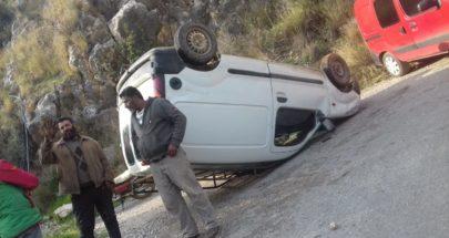 جريح بانقلاب سيارة على طريق سفينة القيطع عكار image