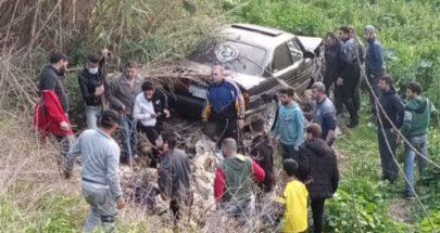 بالصورة حادث سير مروّع في المحمرة... تُوفيت وجُرح زوجها وفُقد طفلها image