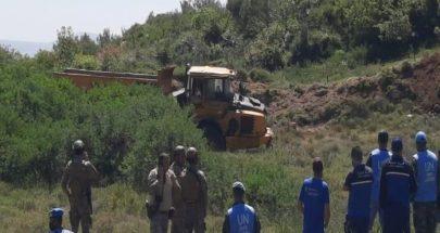 شاحنة اسرائيلية: قامت بحفريات قبالة بلدة العديسة... فانزلقت! image