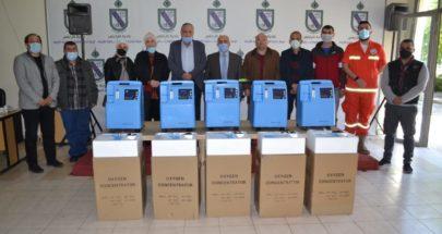 بلدية طرابلس وزعت أجهزة تنفس من بهاء الحريري لخمس جمعيات image