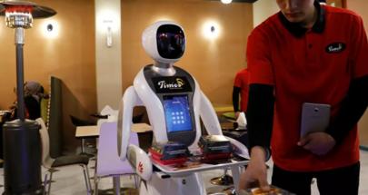 مطعم أمريكي يشتري مجموعة من الروبوتات لمحاربة مشكلة التوظيف image