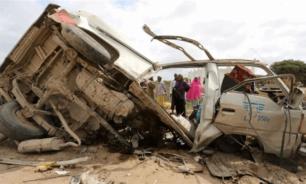 14 قتيلا في مرور حافلة صغيرة على عبوة ناسفة في الصومال image