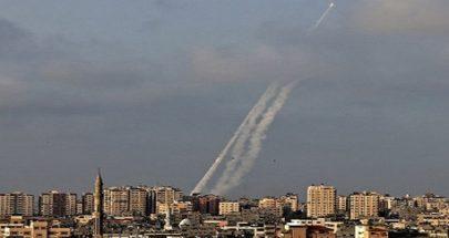 بالصورة: اطلاق صواريخ من غزة باتجاه اسرائيل image