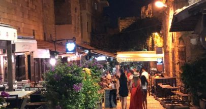 زعرور تفقد المقاهي الليلية في سوق جبيل القديم image