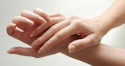 أسباب تمنعك من طقطقة أصابعك... تعرف عليها! image