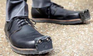 """حذاء جديد يجعل حركة """"المكفوفين"""" أكثر أمانًا image"""