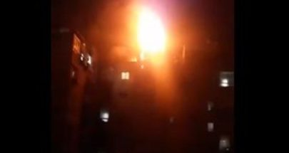 بالفيديو: حريق ضخم في مبنى سكني في بيروت image