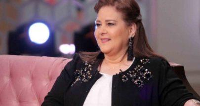 ممثل مصري يؤكد تراجع وضع دلال عبد العزيز الصحي image