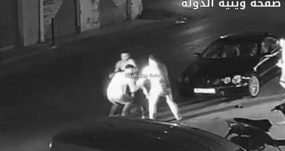 "بالفيديو: خلاف شخصي وتحدّ... ضربه بـ""ساطور"" على عنقه! image"