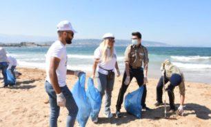 حملة تنظيف الشاطئ في الميناء طرابلس image