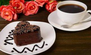 تجنبوا تناول الحلوى مع كوب القهوة image
