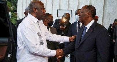 رئيس ساحل العاج واتارا وخصمه السياسي غباغبو يتعانقان وسط جهود مصالحة image