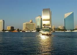 نجمة لبنانية جديدة تحصل على الإقامة الذهبية من الإمارات image