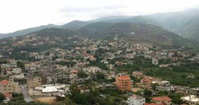 نقوش صخرية في بلدة منجز في عكار تشكل اكتشافا استثنائيا image