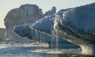 غرينلاند تفقد جليدا في يوم واحد يكفي لتغطية فلوريدا في بوصتين من الماء image