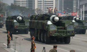 كوريا الشمالية تختبر صواريخ محمولة على عربات سكك حديدية image