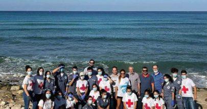 حملة تنظيف الشاطئ البتروني بالتعاون مع البلدية ومعهد العلوم البحرية image