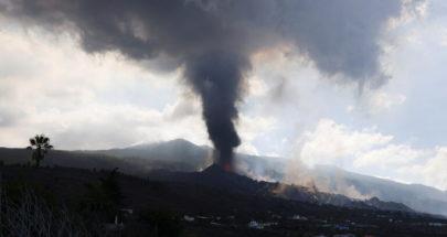 """إغلاق مطار جزيرة لا بالما الإسبانية مع اشتداد ثوران بركان """"كومبري فييخا"""" image"""