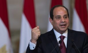 السيسي يصدر قرارا بشأن قائد قوات الدفاع الجوي بالجيش المصري image