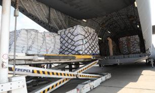 بالصور: 70 طناً من المواد الغذائية هبة من أمير قطر للجيش image