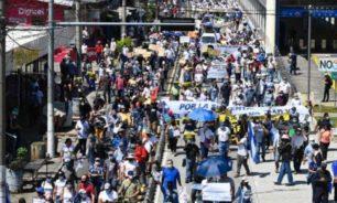 الآلاف يحتجون في السلفادور ضد حكومة بو كيلة image