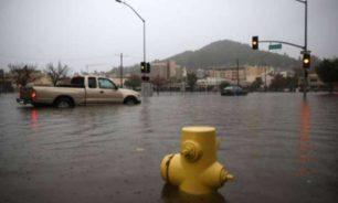 انهيارات طينية وانقطاع الكهرباء بسبب عاصفة قوية تجتاح كاليفورنيا image