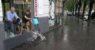 عاصفة تحول الشوارع والميادين إلى أنهار وبحيرات في جنوب إيطاليا image