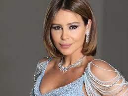 """كارول سماحة تشوق متابعيها لأغنيتها الجديدة """"يا شباب يا بنات"""" image"""