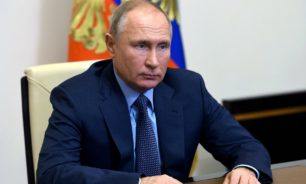 بوتين: نافالني ينفذ عقوبته بسبب جرائمه image