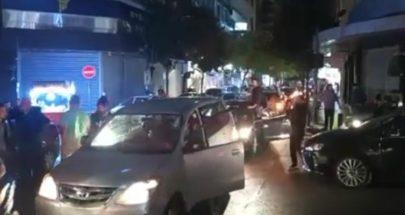بالفيديو: قطع طريقيّ الروشة والحمرا احتجاجا على تردي الاوضاع image