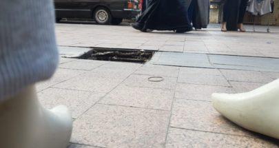 سرقة أغطية قنوات صرف المياه في سوق صيدا image